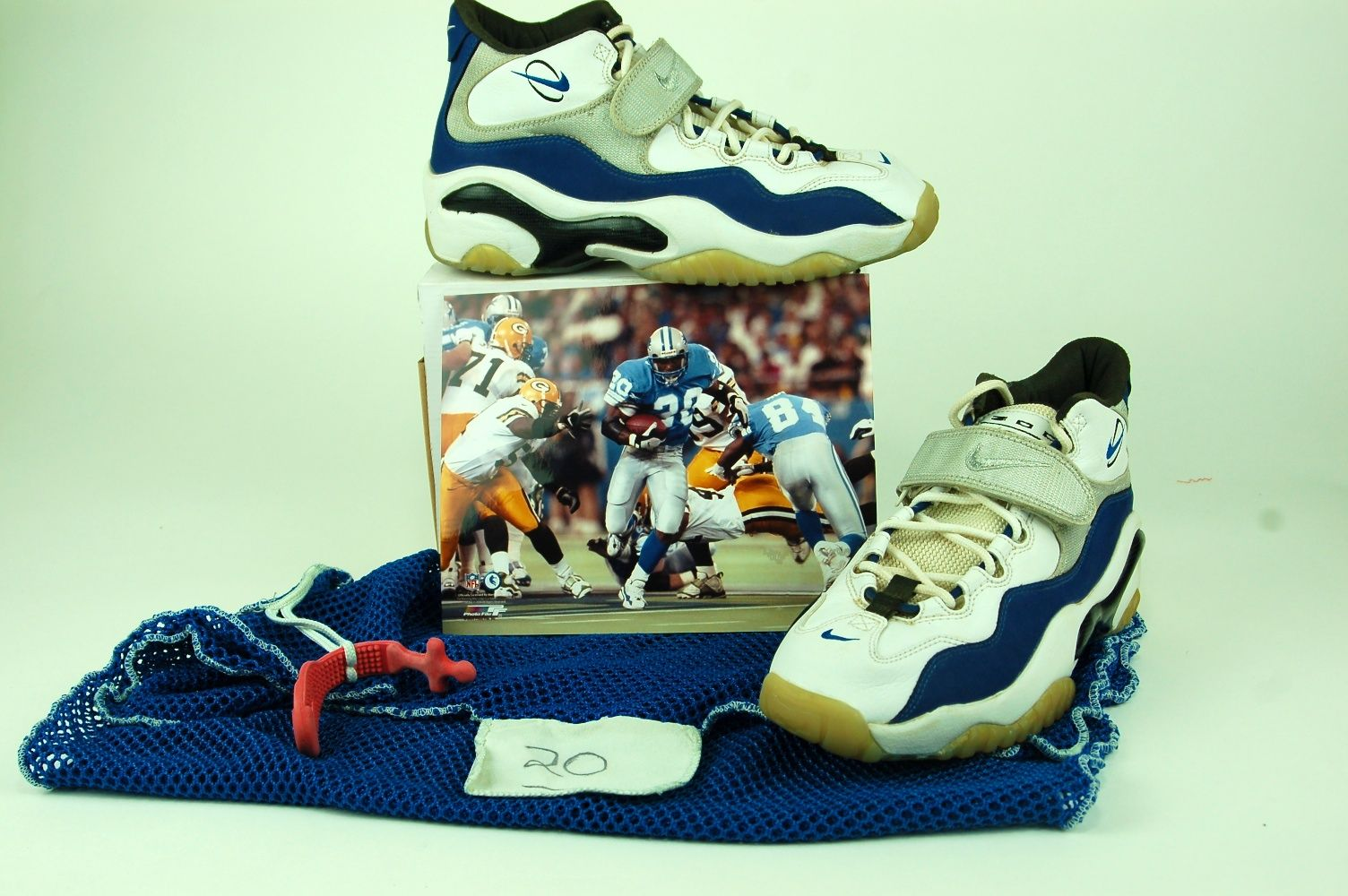 d21fd715f5866 Lot Detail - Barry Sanders Game used Turf Shoes   Laundry Bag w ...
