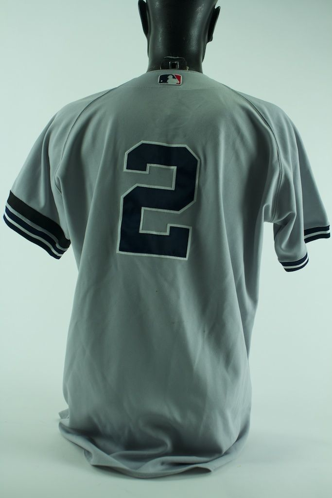 100% authentic 0f765 867a0 Lot Detail - Derek Jeter Game Used New York Yankees Jersey ...