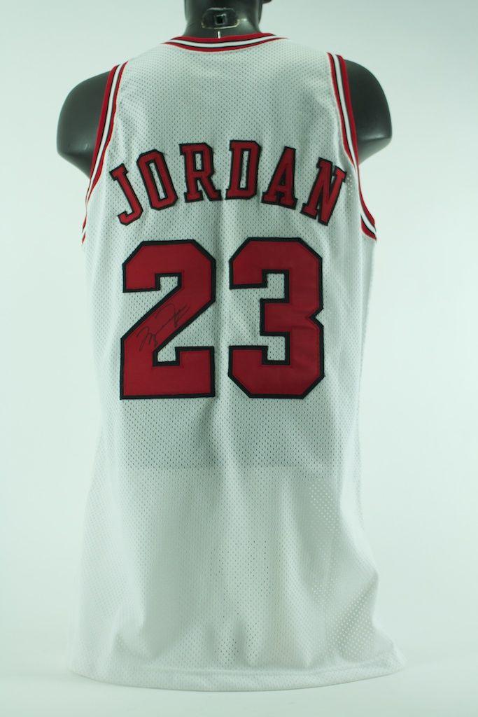 size 40 ed11c eea76 Lot Detail - Michael Jordan 1995-1996 Game Used ...