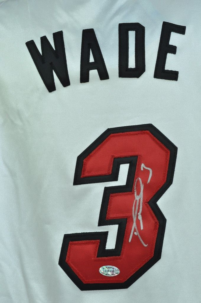 new products c3c29 7003f Lot Detail - Dwyane Wade Autographed Jersey