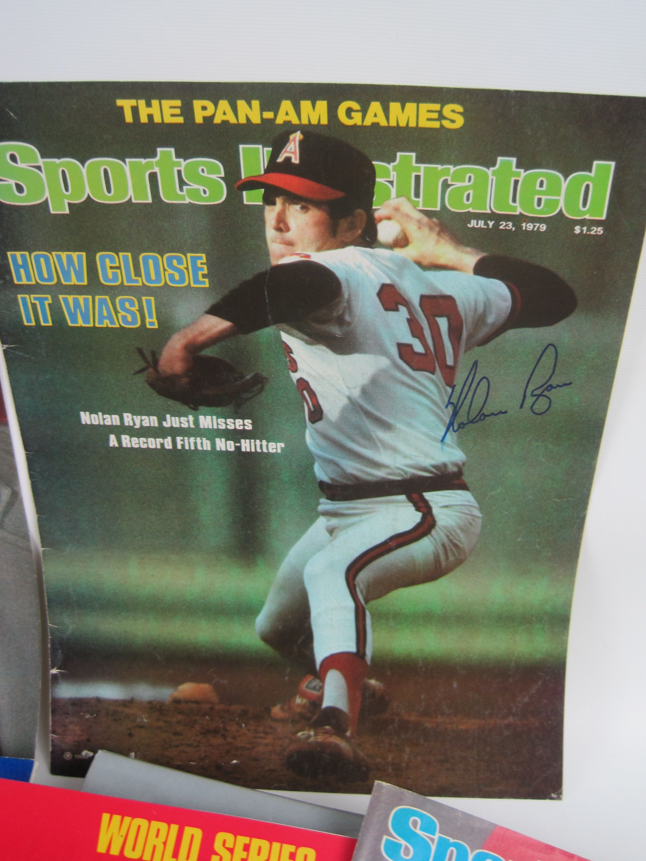 Lot Detail Vintage Mlb Lot Of 30 Autographed 1970 S Sports Illustrated Covers