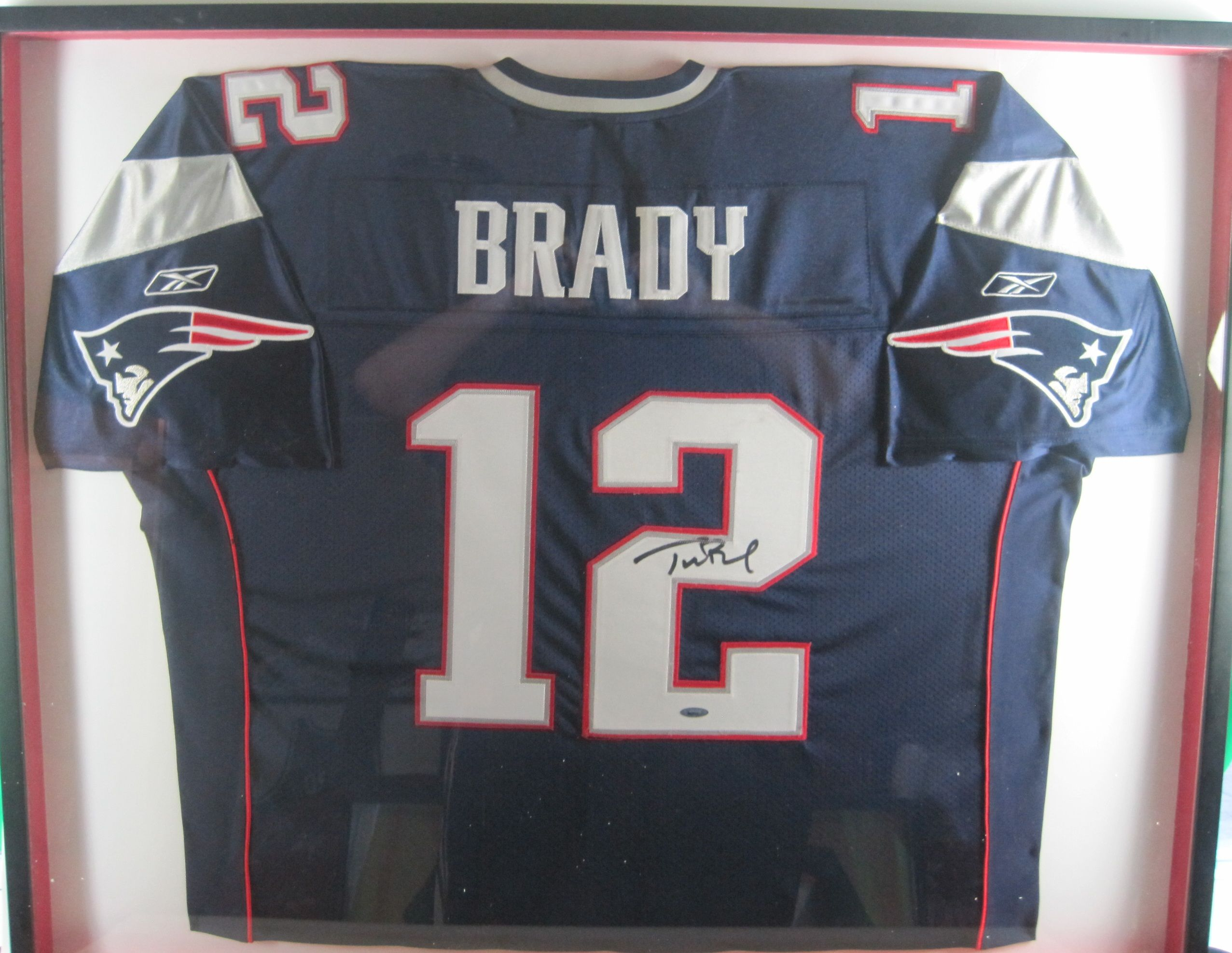 best website 30559 36bb8 Lot Detail - Tom Brady Autographed & Framed New England ...