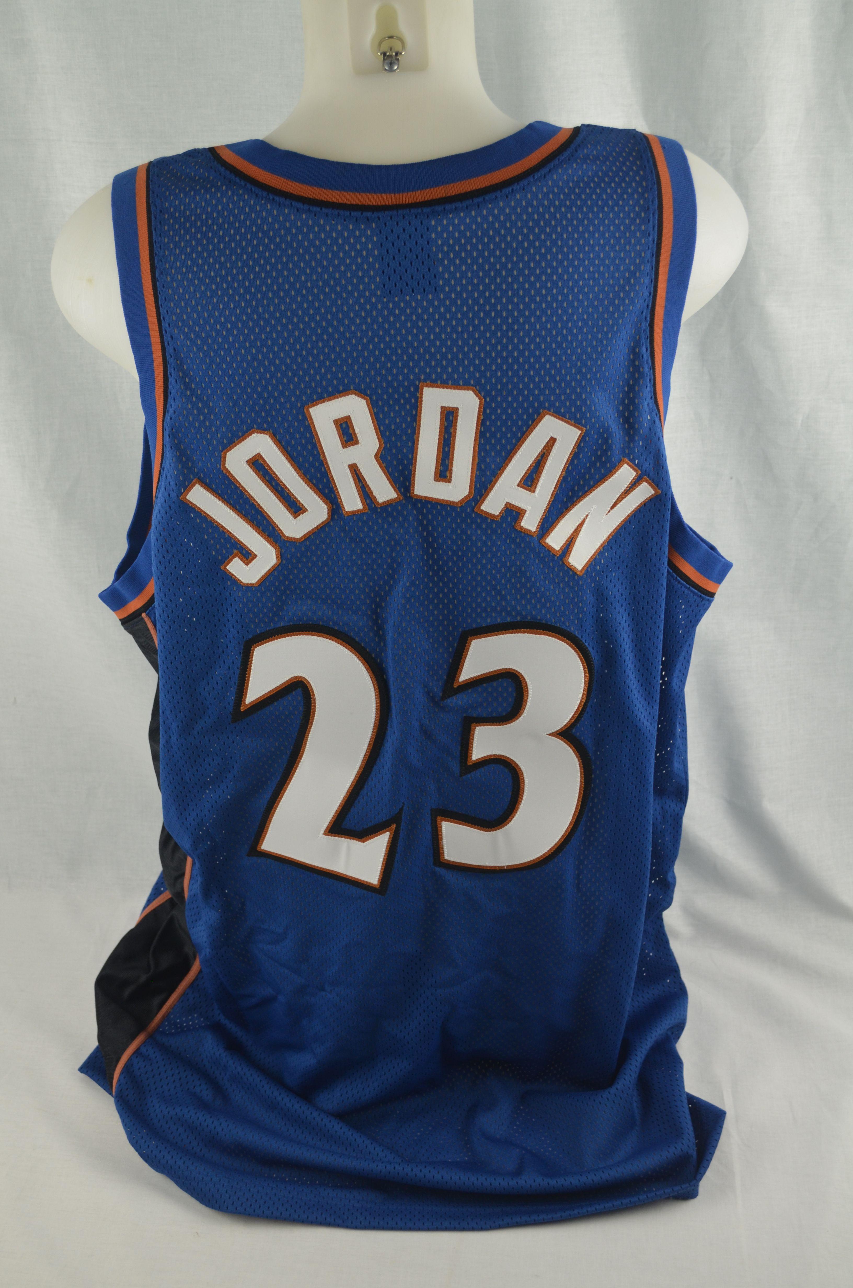 the best attitude 5f1ce d3aeb Lot Detail - Michael Jordan Autographed Washington Wizards ...