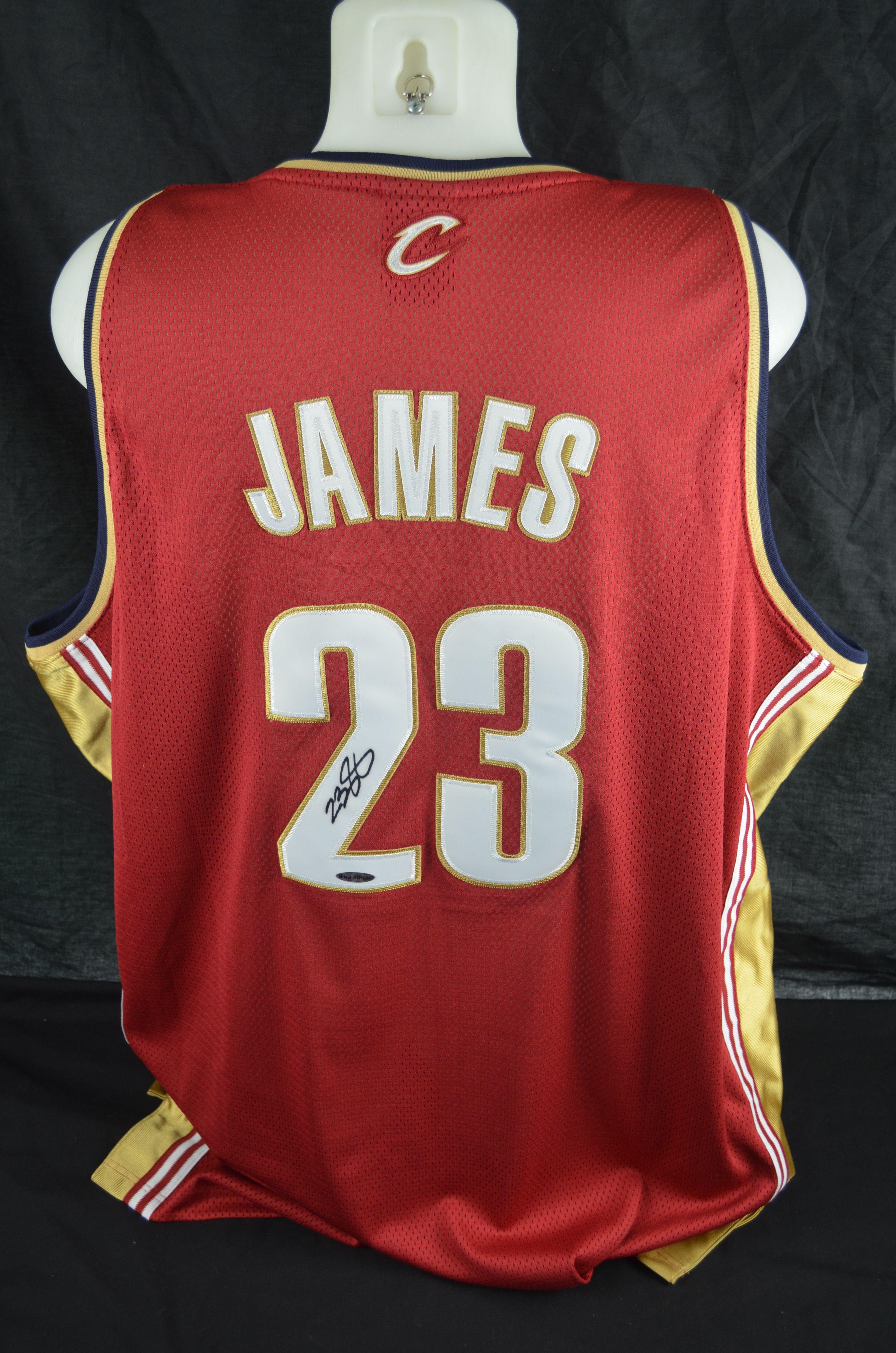 926d41b6805e4 Lot Detail - LeBron James Cleveland Cavaliers Autographed Jersey UDA