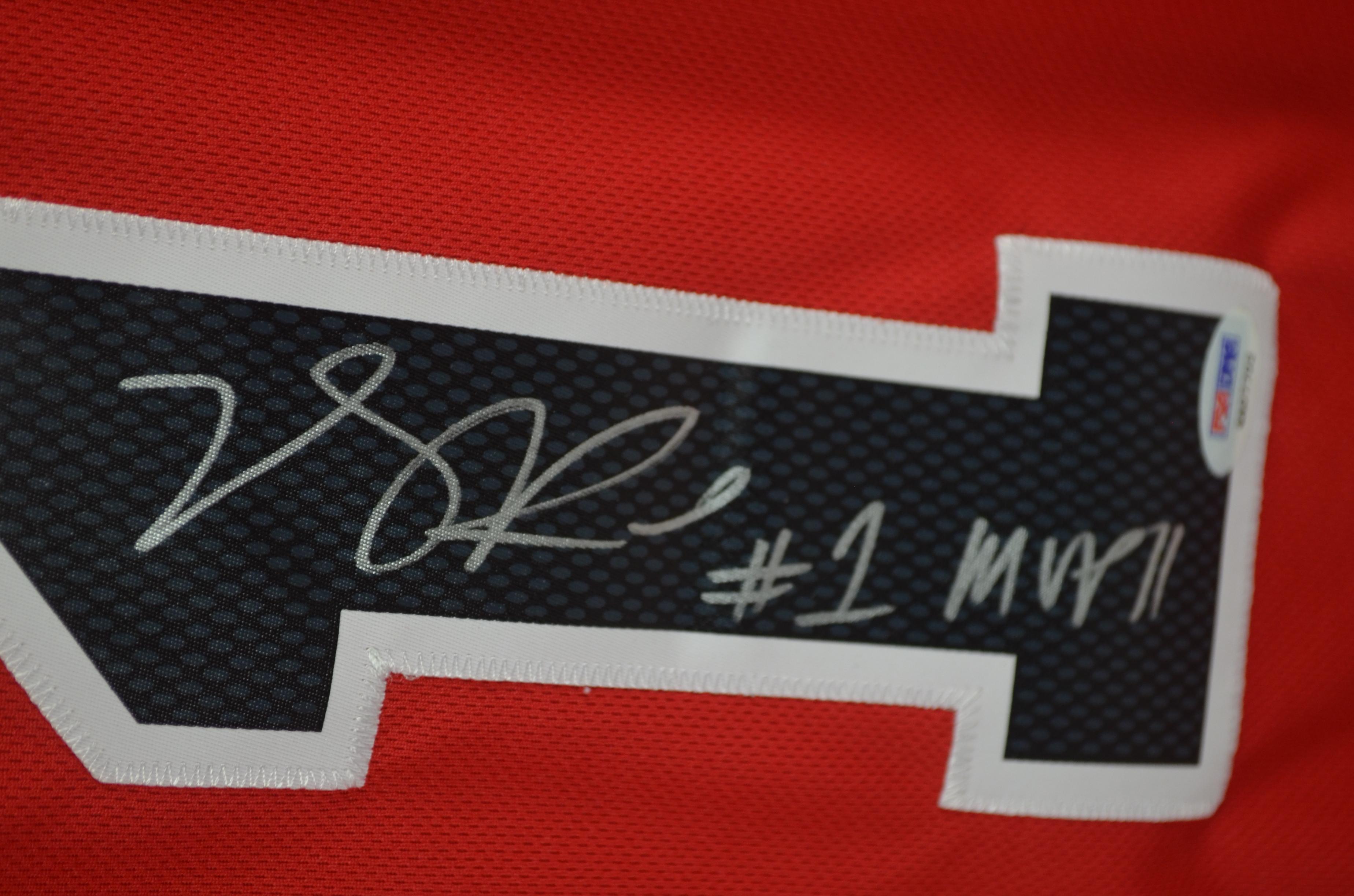 best website 36878 6fd08 Lot Detail - Derrick Rose Autographed & Inscribed MVP '11 ...