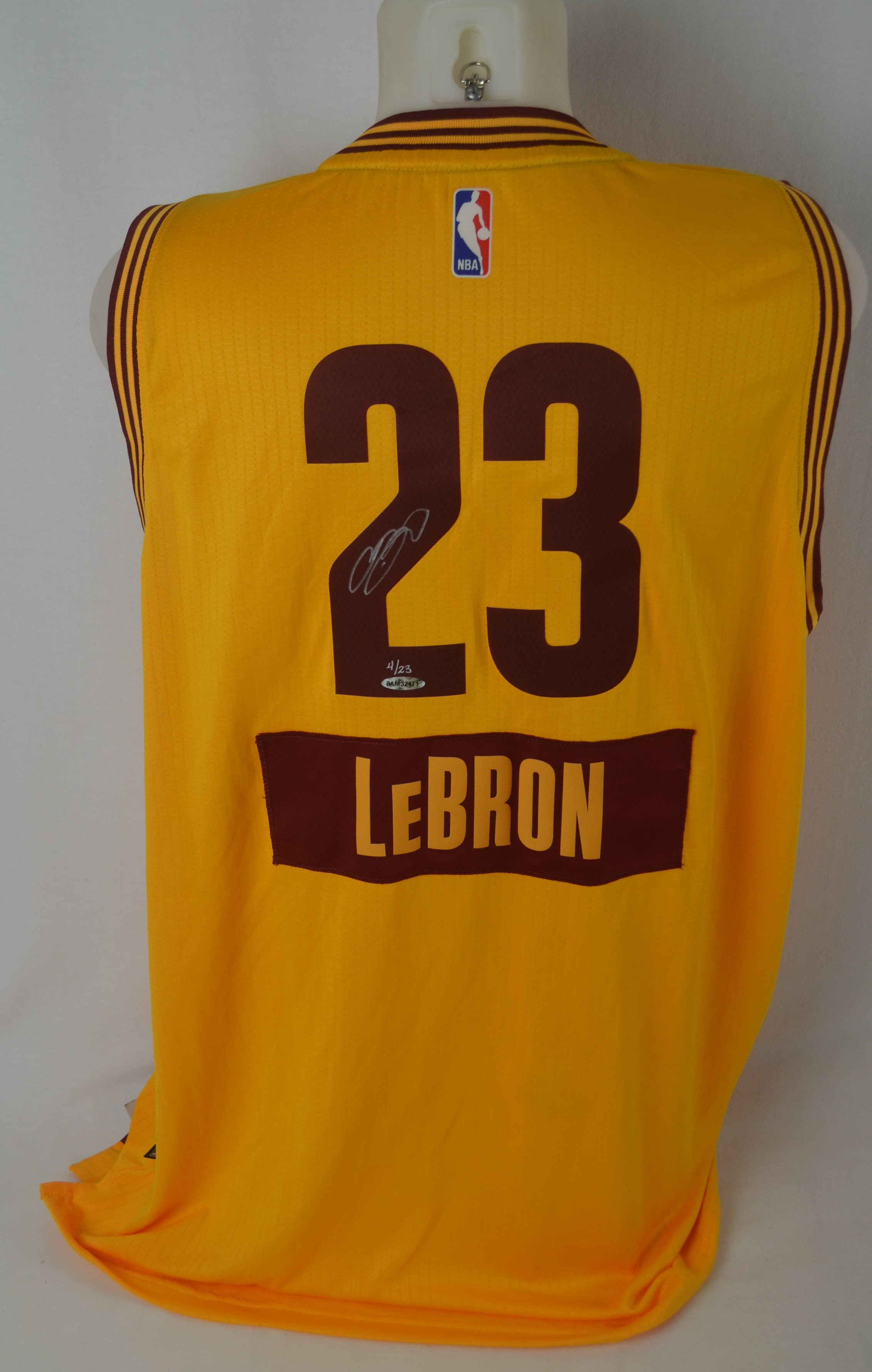 differently 64f71 1ce54 Lot Detail - LeBron James Autographed 2014 Cleveland ...
