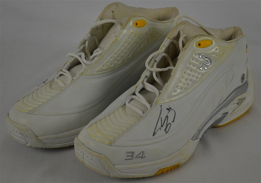 Shaquille O'Neal Los Angeles Lakers Professional Model Shoes w/Heavy Use
