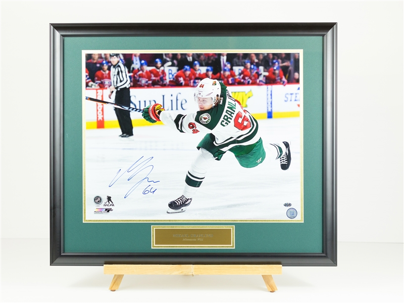 Mikael Granlund Signed 16x20 DIsplay