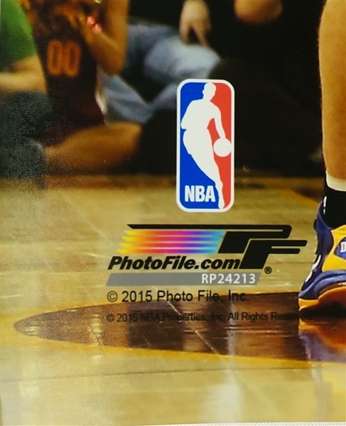 Stephen Curry Autographed 16x20 NBA Finals Photo