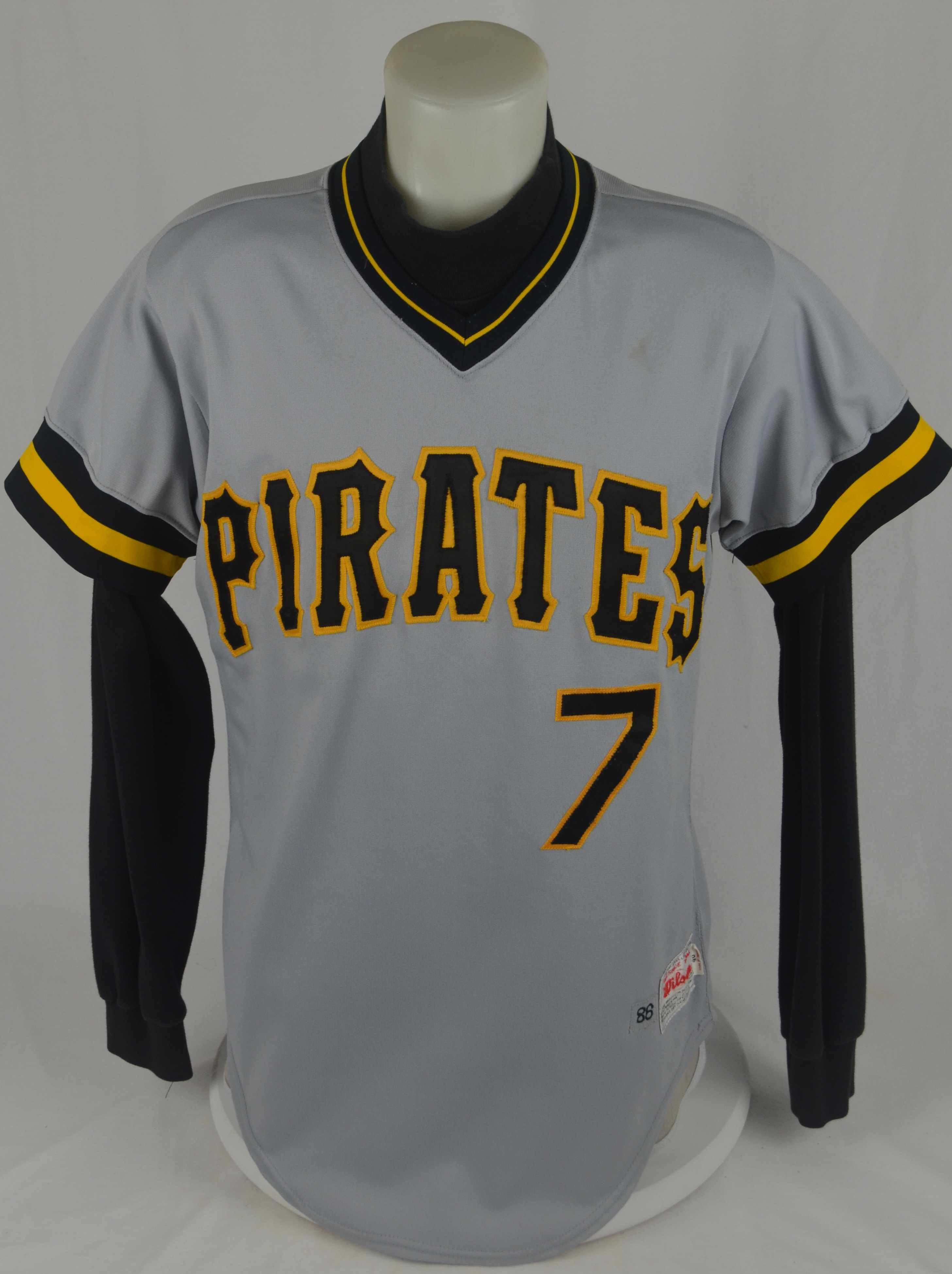 sale retailer 1e55b 7a47d Lot Detail - Barry Bonds 1986 Pittsburgh Pirates Game Used ...
