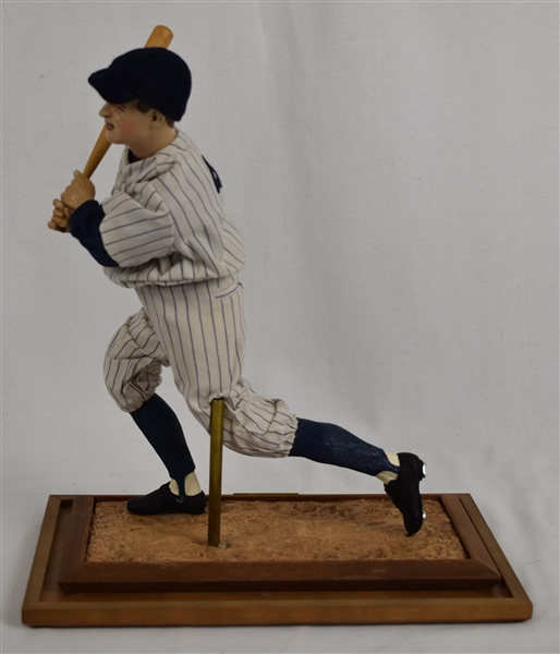 Lou Gehrig Ashton-Drake Galleries  Legends Series Doll w/Case